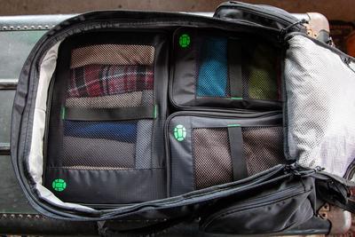 Untuk Kamu Para Hijab Traveler, Tips Melipat Hijab Di Koper Agar Tidak Lecek Ini Wajib Kamu Simak