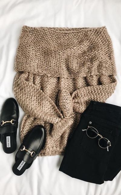 Wah, Ini Dia Ide Padu Padan Hijab dengan Sweater yang Sedang Populer Saat Ini