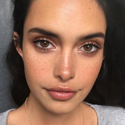 Bikin Makeup Jadi Natural, Foundie Giorgio Armani Ini Harus Masuk Koleksi Makeup!