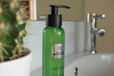 The Body Shop Liquid Peel, Gentle Exfoliator yang Cocok untuk Kulit Sensitif!
