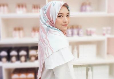 #FORUM Cara Mengatur Hijab Satin Agar Tidak Licin Saat Dipakai