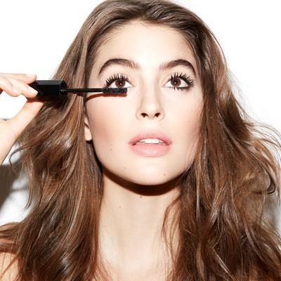 Yuk, Coba Marc Jacobs Velvet Noir Mascara untuk Bulu Mata yang Lebih Bervolume Berkali-kali Lipat
