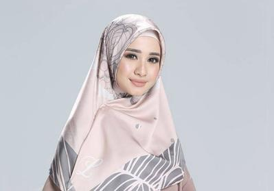 #FORUM Kenapa hijab yang dijual para artis mahal-mahal ya?