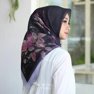 #FORUM Kenapa ya hijab motif merek Umama bisa murah banget? Penasaran deh