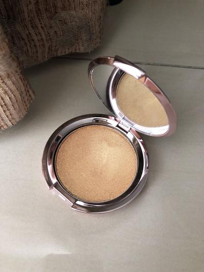 Review Goban Cosmetics Stardust Highlighter, Produksi Lokal yang Menyaingi Becca Highlighter!