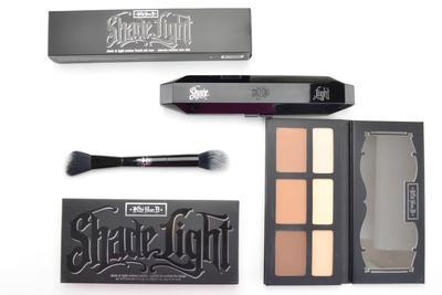 Warna Terbaik untuk Wajahmu! Ini Dia Kat Von D Shade & Light Contour Palette yang Wajib Kamu Miliki