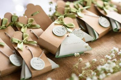 #FORUM Buat Souvenir Pernikahan, Bagusnya Pilih Apa Ya?