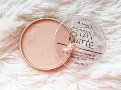 Review Rimmel Stay Matte Pressed Powder, Bedak Drugstore Terbaik untuk Hasil Flawless Matte Tanpa Minyak Seharian!