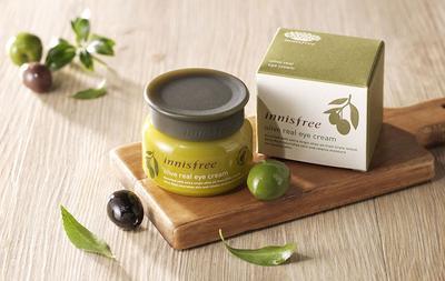 Innisfree Olive Real Eye Cream, Eye Cream yang Terbuat dari Olive Oil Terbaik!