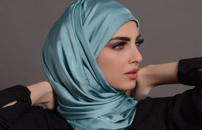 [FORUM] Hijab satin masih jaman gak ya kalo dipakai ke pesta?