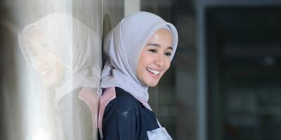 [FORUM] Gimana cara pakai hijab biar bagian atasnya ga ada bekas lipatannya?