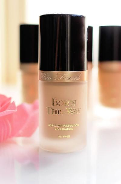 Yuk, Dapatkan Makeup Natural yang Tahan Lama dengan Too Faced Born This Way Foundation!
