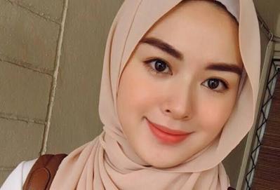 [FORUM] Makeup buat ke kampus kalian apa saja guys?