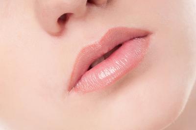 [FORUM] Bikin bibir jadi pink alami tanpa pakai lipstik gimana caranya?