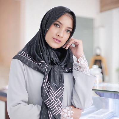 [FORUM] Guys, Bagusan Jilbab Rabbani atau Zoya?