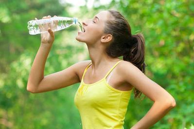 [FORUM] Pernah coba metode diet air putih? Ada yang berhasil?