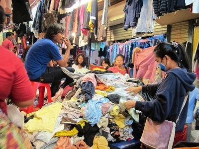 [FORUM] Berburu Baju Vintage di Pasar Senen & Pasar Baru