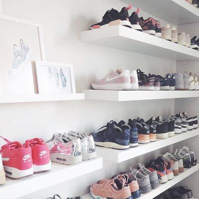 [FORUM] Kamu tim flat shoes atau tim sneakers nih kalo kemana-mana??