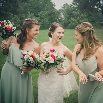 [FORUM] Punya banyak sahabat, Pas nikah bingung siapa yang lebih pantas dijadiin bridesmaid ya?