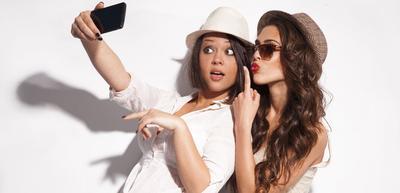 [FORUM] Kamu lebih suka selfie atau difotoin nih, ladies??