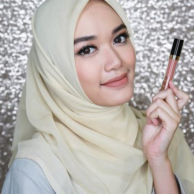 [FORUM] Gimana caranya lipstik nggak nempel di gigi?