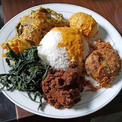 [FORUM] Kenapa nasi padang kalau di bawa pulang lebih banyak dibanding makan di tempat?