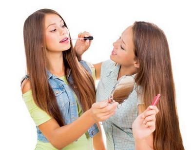[FORUM] Produk Kosmetik apa yang paling sering kamu pinjam dari teman kamu?