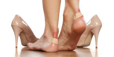[FORUM] Dear, bagi trik mengatasi luka lecet karena sepatu dong..