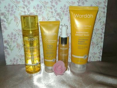 [FORUM] Ada yang pakai skincare Wardah? Yang paling cocok di kulit kamu yang mana aja?