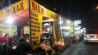 [FORUM] Malu Nggak Sih Makan di Tempat Kaki Lima Gitu Guys?