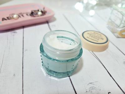 Review Benefit Total Moisture Facial Cream, Pelembab Super Fancy yang Efektif Atasi Kulit Kering!