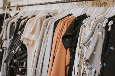[FORUM] Warna baju di lemari kalian rata-rata apa aja?