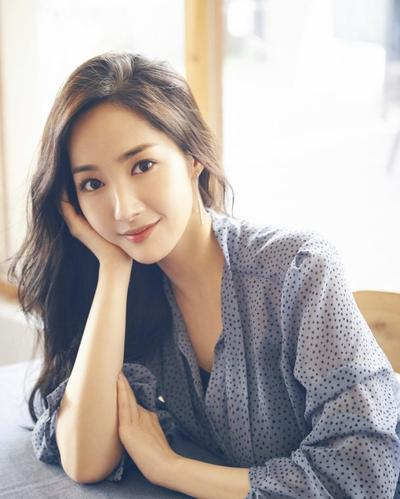 [FORUM] Antara style Yoona SNSD dan Park Min Young, mana yang kamu suka?