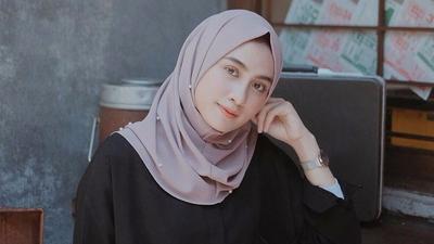 [FORUM] Kamu lebih pede saat menggunakan hijab dengan warna apa untuk warna kulitmu?