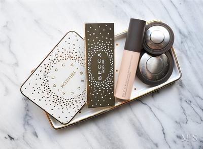 Inilah 4 Alasan yang Akan Buat Kamu Jatuh Cinta dengan Becca Shimmering Skin Perfector Liquid, Ladies!