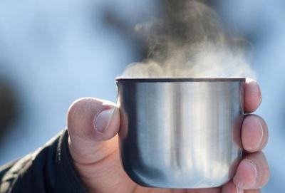 [FORUM] Saat kepedasan, kamu langsung minum air dingin atau air hangat?