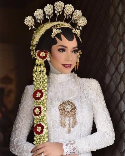 [FORUM] Kamu mau ga kalo hijaban tapi tetap dipakain paes Jawa?