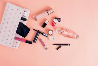 [FORUM] Kalau pakai kosmetik, yang paling cepet apa dear?