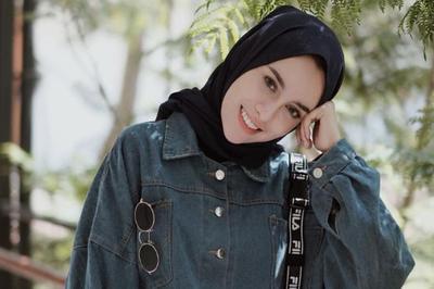 [FORUM] Pilihan fashion hijab kamu sekarang, tomboy atau feminin?