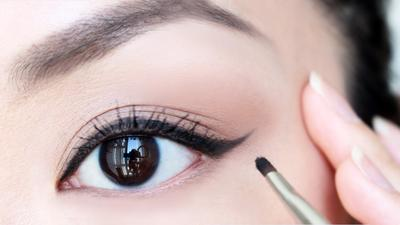 [FORUM] Mendingan Pen Eyeliner atau Eyeliner Cair?