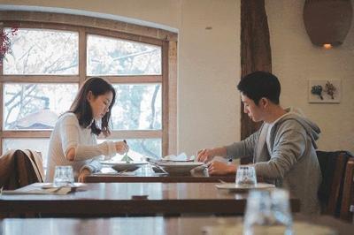 [FORUM] Kalau Pacaran, Lebih Sering Bayar Makan Sendiri-sendiri atau Dibayarin?