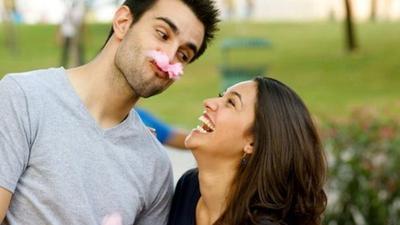 [FORUM] Pilih Cowok Romantis atau Humoris?