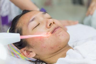 [FORUM] Keseringan facial di klinik, bisa bikin kulit wajah tipis?