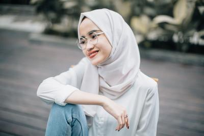 [FORUM] Warna hijab apa yang bikin muka jadi terlihat kusam?
