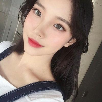 [FORUM] Gaya makeup andalan kamu kalo keluar rumah gimana ladies?