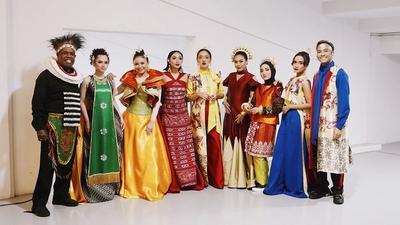 [FORUM] Kostum 3500 Penari di Opening Asian Games Rancangan Desainer Rinaldy A. Yunardi