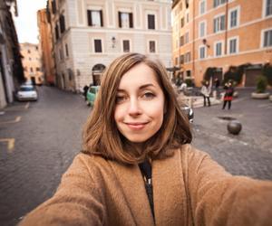 [FORUM] Pernah coba tes selfie dengan jarak 5 cm? Pori-porimu keliatan gak?