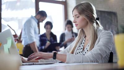 Tak Perlu Terpancing, Begini Cara Elegan Hadapi Berbagai Masalah di Kantor