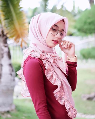 [FORUM] Gimana Caranya Pakai Jilbab Instan Biar Ga Keliatan Tua?