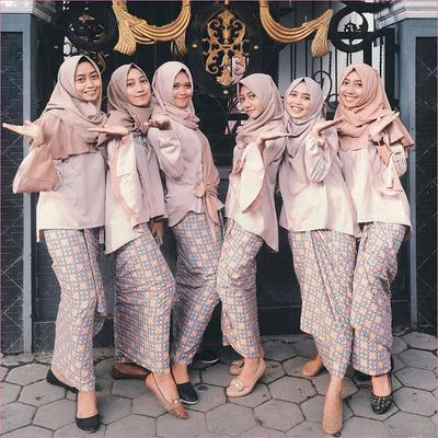 [FORUM] Warna bahan anti mainstream untuk bridesmaid pernikahan aku